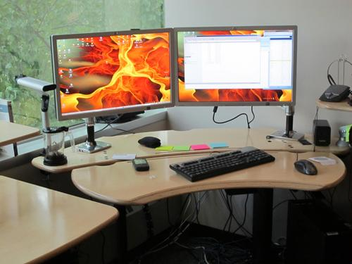 Flexo Desk, Maple Top - Click here to view product page